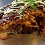 [めし] 広島お好み焼ひらの の肉玉そばピリ辛麺、うまぁ